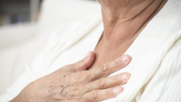 Cancer survivors 'have higher heart risk'