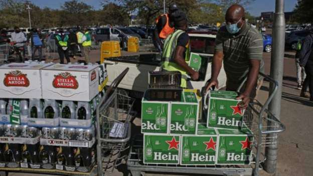 SA police minister wants alcohol ban reinstated