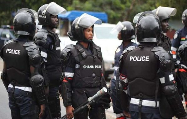"Ghanaians ""Roast"" Ghana Police Service On Twitter; Shares Shocking Experiences -[MUST SEE]"