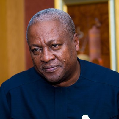 John Mahama Pleadges Before The Tomb Of Late President Atta Mills