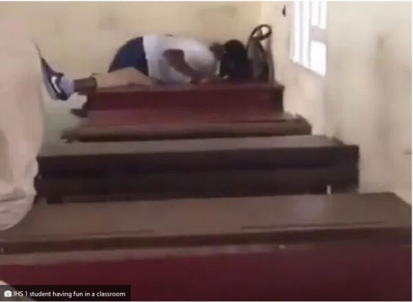 JHS 1 Pupils Caught Kissing In A classroom