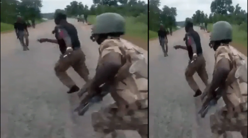 Watch video: Soldiers Beat Policemen For Extorting Motorist