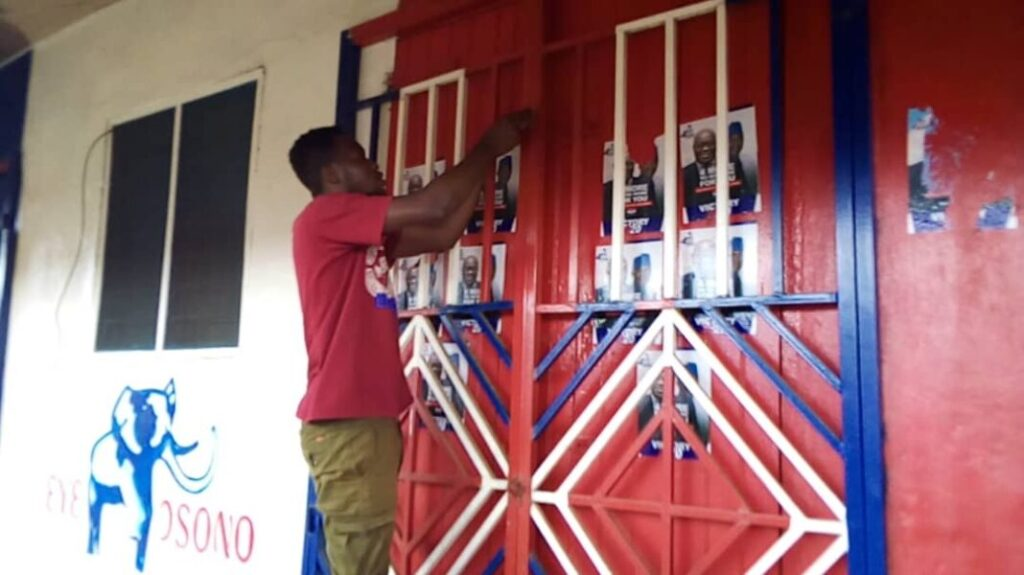 E/R: Angry Abuakwa South NPP supporters lock up party office over MCE's removal